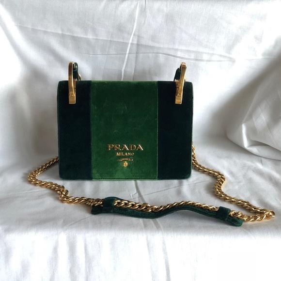 368dd62e8b7f Prada Pattina Velvet Shoulder Bag. M 5bd88f192e1478d219f84ecf